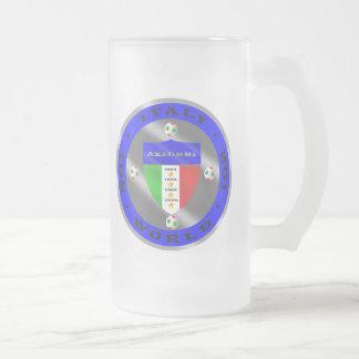 El mundo italiano de lujo del fútbol defiende el l taza de café