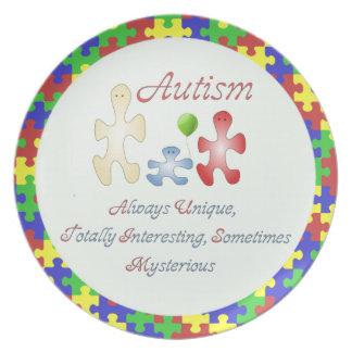 El mundo único de la placa del autismo platos de comidas