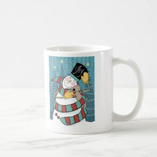 El muñeco de nieve alegre del día de fiesta taza de café