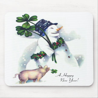 El muñeco de nieve del Año Nuevo con el cerdo afor Alfombrilla De Raton