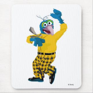 El Muppet Gonzo vestido encima de agitar Disney Mousepad