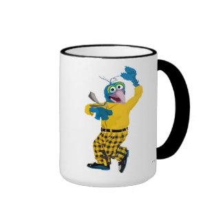 El Muppet Gonzo vestido encima de agitar Disney Taza De Café