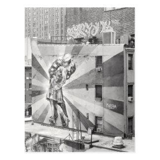 El mural de la fotografía de los Kissers, Highline Postales