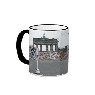El muro de Berlín Tazas