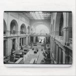 El museo egipcio (interior) circa 1934 alfombrillas de ratón