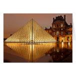 El museo en la noche, París, Francia del Louvre Tarjeta De Felicitación