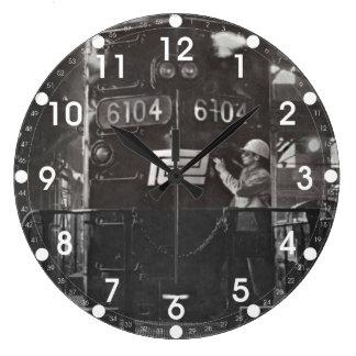 El nacimiento del reloj de pared central del