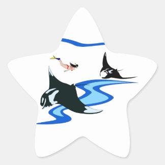 El nadar con el rayo de Manta Pegatina En Forma De Estrella