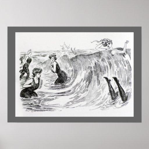 El nadar en el mar posters