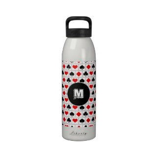 El naipe se adapta al modelo botellas de beber