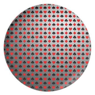 El naipe se adapta al modelo platos para fiestas