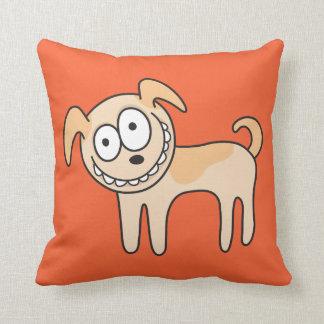 El naranja animal divertido del dibujo animado del cojín