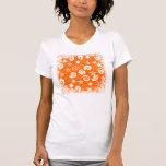 El naranja enrrollado protagoniza y remolina los camiseta