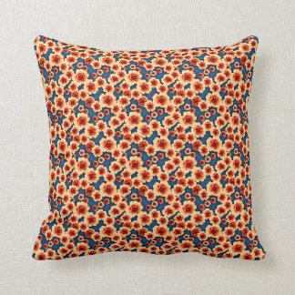 El naranja florece la almohada