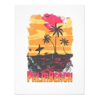 El naranja rosado de las palmeras de la persona qu invitacion personal