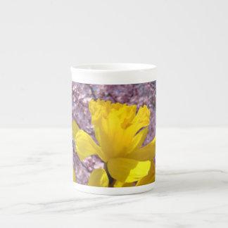 El narciso florece las tazas florales de la primav tazas de porcelana