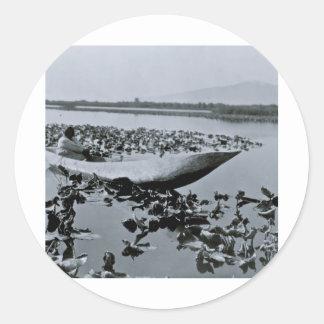 El nativo americano de Klamath excavó la canoa Etiqueta Redonda