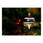 El navidad adorna (el espacio en blanco) tarjeton