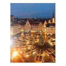 El navidad comercializa en Tallinn, Estonia Postal