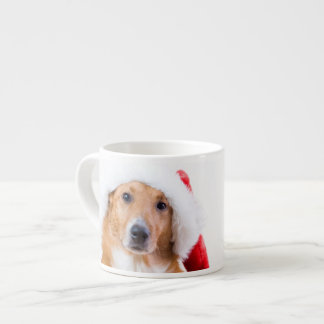 El navidad persigue con la asta y los regalos taza espresso
