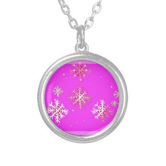 El navidad púrpura y la nieve forma escamas los re joyeria