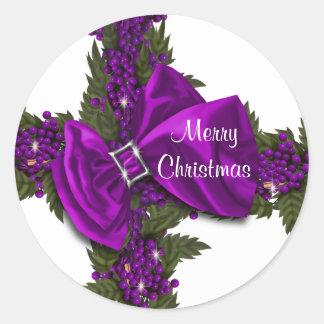 El navidad que saluda púrpura de los sellos pegatina redonda