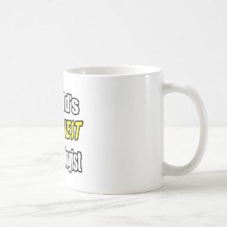 El nefrólogo más divertido del mundo taza básica blanca