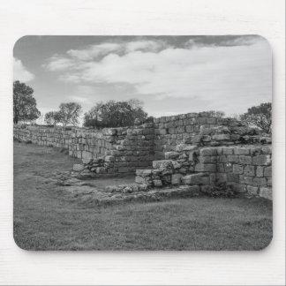 El negro Carts la torrecilla en la pared de Tapetes De Ratón