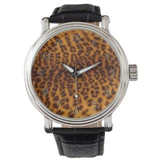 El negro del estampado leopardo manchó la relojes