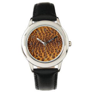 El negro del estampado leopardo manchó la relojes de mano