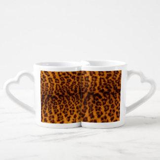 El negro del estampado leopardo manchó la set de tazas de café