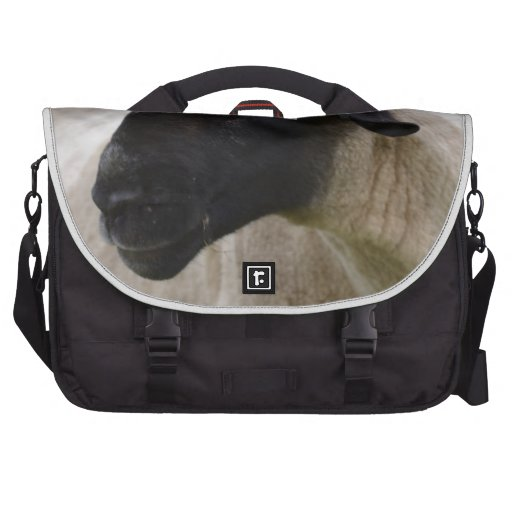 El negro hizo frente a ovejas bolsas para portátil