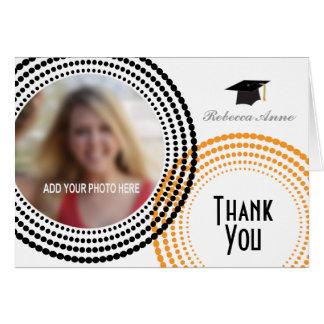 El negro y la graduación punteada naranja de los tarjeta pequeña