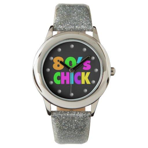 El neón colorea el polluelo de los años 80 reloj