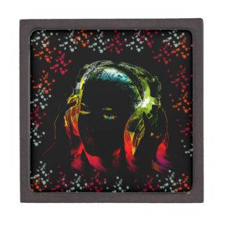 El neón de los auriculares de la música del chica caja de joyas de calidad