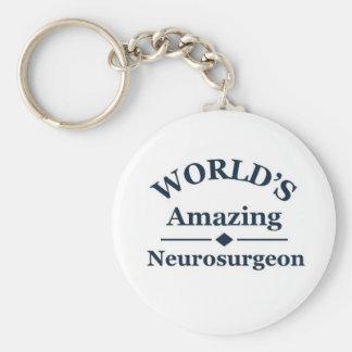 El neurocirujano asombroso del mundo llavero redondo tipo pin