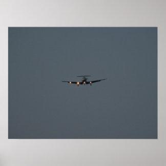 El NG de Pilatus PC-12 aterriza en NAS Oceana, VA. Póster