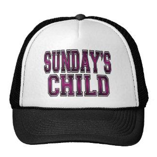 El niño de domingo gorra