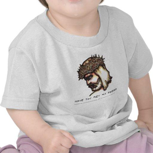 El niño de la camiseta le tiene encontrado