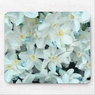 El niño de marzo floral alfombrilla de ratón
