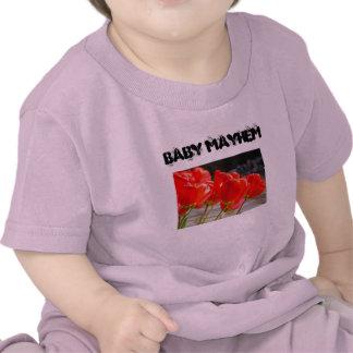 El niño del niño de la mutilación del bebé junta c camiseta