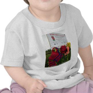 El niño T/niños no flota Camisetas