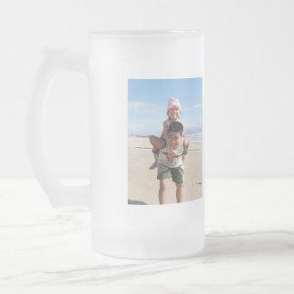 El niño taza de cristal