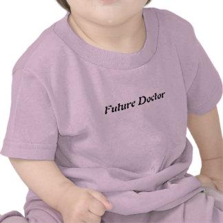El niño viste al doctor futuro camisetas