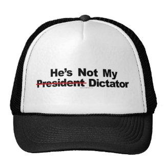 Él no es mi gorra del dictador