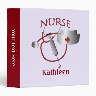 El nombre de la enfermera cuida la carpeta de