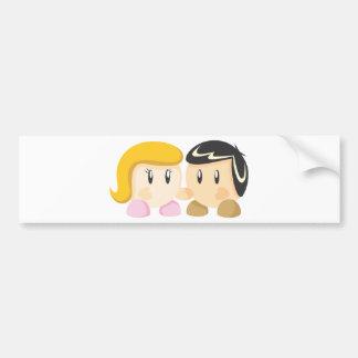 El novio ama a la novia etiqueta de parachoque