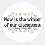 El Now es el invierno de nuestro descontento Etiqueta Redonda