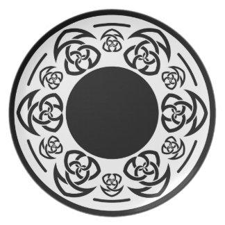 El nudo del tejedor céltico, torcido, cena/placa d plato de comida