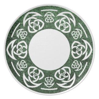 El nudo del tejedor céltico, torcido, cena/placa d platos de comidas